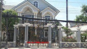 Cửa cổng 4 cánh sắt mỹ thuật đẹp tại Hòa Bình