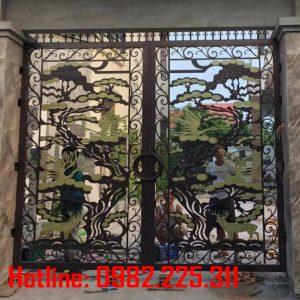 Cửa cổng sắt CNC mỹ thuật đẹp CC-01