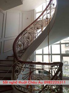 cầu thang sắt nghệ thuật đẹp 2021