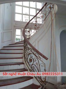 Cầu thang sắt mỹ thuật đẹp tại Hà Nam