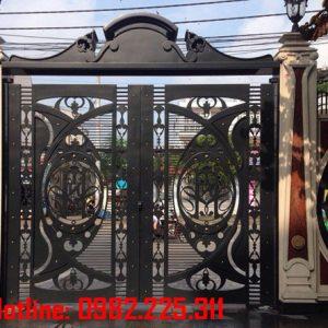 Cửa cổng sắt CNC mỹ thuật đẹp CC-05