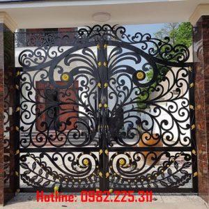 Cửa cổng sắt CNC mỹ thuật đẹp CC-08