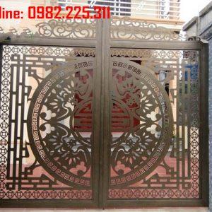 Cửa cổng sắt CNC mỹ thuật đẹp CC-17