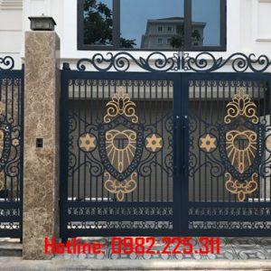 Cửa cổng sắt CNC mỹ thuật đẹp CC-16