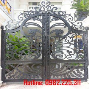 Cửa cổng sắt CNC mỹ thuật đẹp CC-07