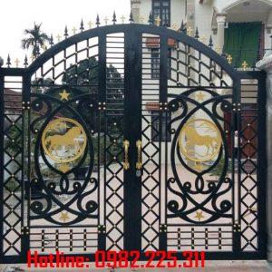 Cửa cổng sắt CNC mỹ thuật đẹp CC-11