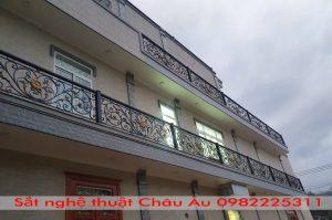 Những mẫu lan can sắt mỹ thuật tại Hà Nội