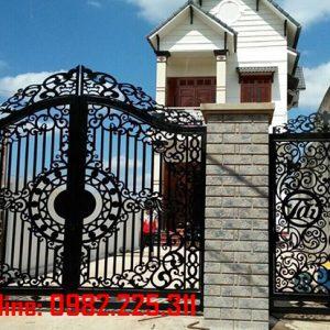 Cửa cổng sắt CNC mỹ thuật đẹp CC-76