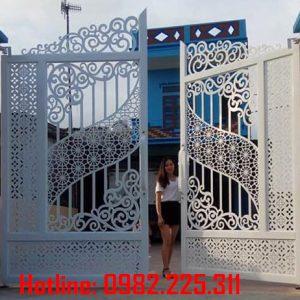 Cửa cổng sắt CNC mỹ thuật đẹp CC-78