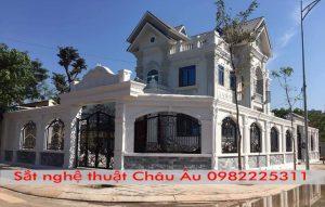 lan can sắt nghệ thuật đẹp tại Long Biên Hà Nội VN