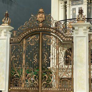 Mẫu cửa cổng sắt nghệ thuật cao cấp tại Tp Hưng yên – Việt Nam