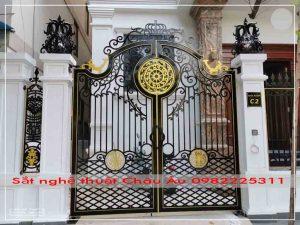 cửa cổng 2 cánh sắt mỹ thuật