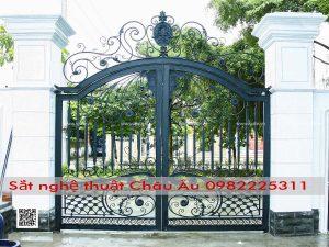bộ cổng sắt nghệ thuật sang