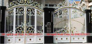 Cửa cổng sắt mỹ thuật mầu trắng toát quyễn dũ