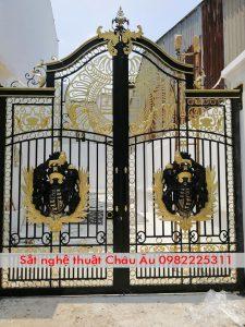 mẫu cửa cổng sang đẹp