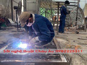 sắt nghệ thuật thi công tại xưởng