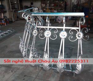 Mẫu Lan can ban công sắt nghệ thuật đẹp Hà Nội