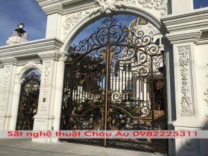 Cửa cổng sắt nghệ thuật đep giá rẻ tại băc giang