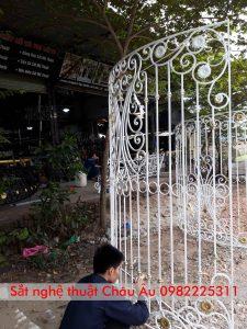 Mẫu cửa sổ sắt nghệ thuật đep giá rẻ tại băc giang