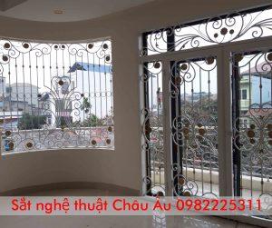 Mẫu cửa sổ sắt nghệ thuật đẹp tại Thanh xuân Hà Nội