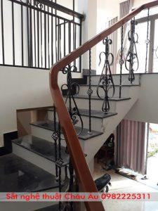 cầu thang sắt nghệ thuật cao cấp
