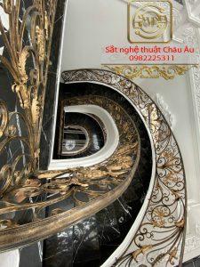 Mẫu lan can cầu thang sắt nghệ thuật