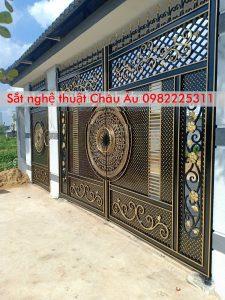 Cửa cổng sắt mỹ thuật cao cấp tại quận Thanh xuân