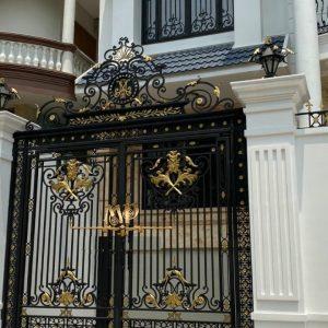 Cửa cổng sắt mỹ thuật hiện đại – Mẫu cửa cổng sắt mỹ thuật