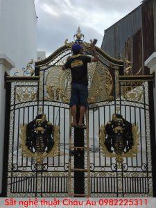 Cửa cổng sắt nghệ thuật đẹp tại bắc giang