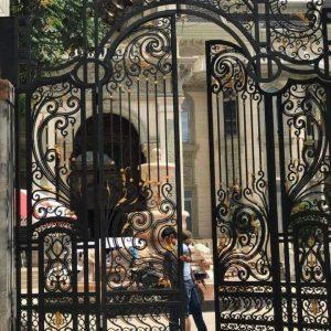 Mẫu cổng sắt biệt thự đẹp sang trọng đẹp mê ly