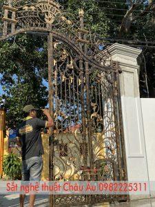 Mẫu cổng sắt nghệ thuật cao cấp đẹp