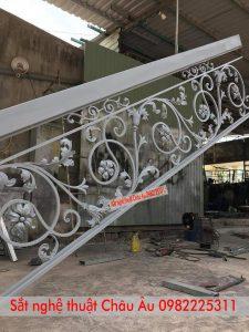 Làm Cầu thang sắt nghệ thuật Châu Âu