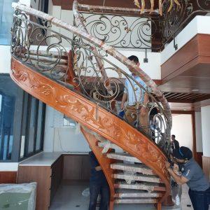 Thi công cầu thang sắt nghệ thuật tại Ecopark – Gia Lâm